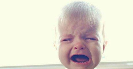 新生儿哭泣