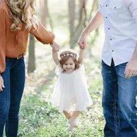 孩子喜欢和父母做的这个动作,其实暗藏着危险!