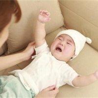 宝宝一放就醒很头疼?家家月嫂为你支招!