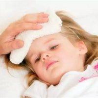 孩子发烧究竟该用热毛巾还是冷毛巾?很多家长搞错了!