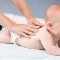还不知道怎么给宝宝做抚触?那就看这一篇!