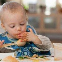 喂饭一定要离孩子嘴10厘米,做好这个细节太重要了!